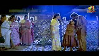 Repeat youtube video Vijayashanthi rescues a young girl from drunkards - Mondi Mogudu Penki Pellam Scenes