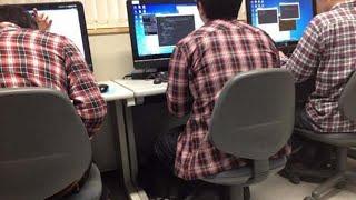 공대생들은 왜 체크셔츠를 자주 입을까?