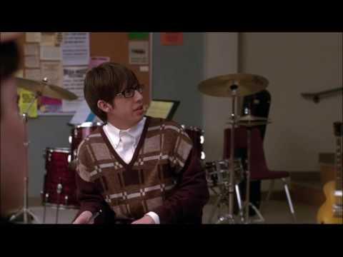 Glee - Finn gets the boys some vitamin D 1x06