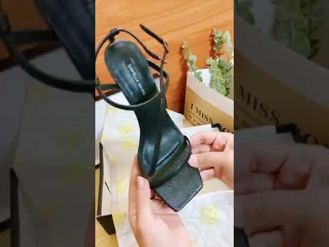 Sandal dây mảnh thời trang mua tại Shopee Degoshin - Shop của Hương đó.