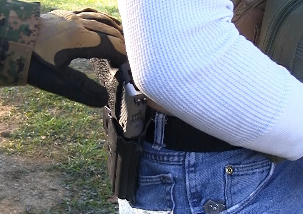 conceal and carry con argument Concealed carry: for and against posted on august 25, 2011 by how to talk what is the main argument for allowing concealed carry of firearms in public places.