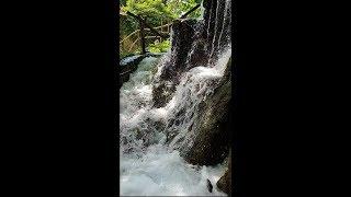 Оксана Марченко в экзотичном ресторане у водопада в Хорватии