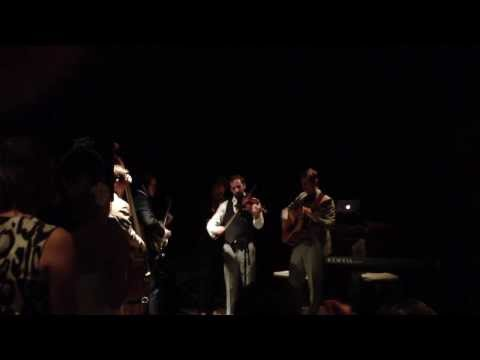 Punch Brothers cover Beyonce's