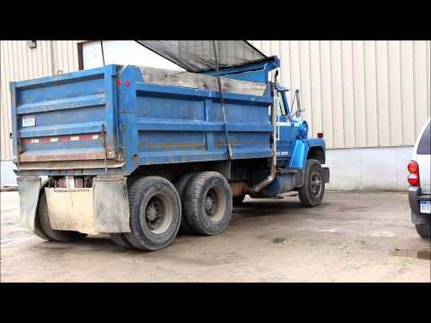 Installing a dump truck tarp motor doovi for Tarp motors for dump trucks
