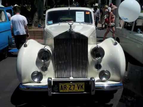 Classic cars exhibition in Sydney  /  シドニーのクラシックカーの展示会
