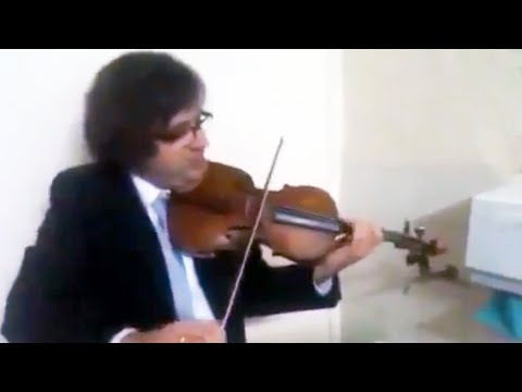 Triple concerto for faucet, water pipes and fiddle    More -  www av-kwartet art pl