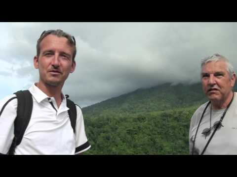 Lempar Batu di Danau Tolire, Ternate Maluku | Aneh, Batu Tak Tenggelam