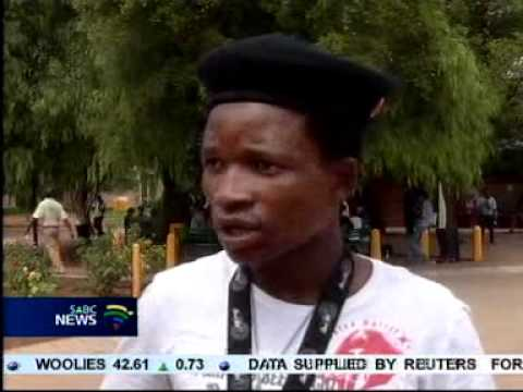 Nineteen year old Letlhogonolo Mafela passed matric with flying colours. Mp3