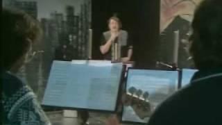 Sakari Kuosmanen: Jokainen Ihminen On Laulun Arvoinen (live 1981)