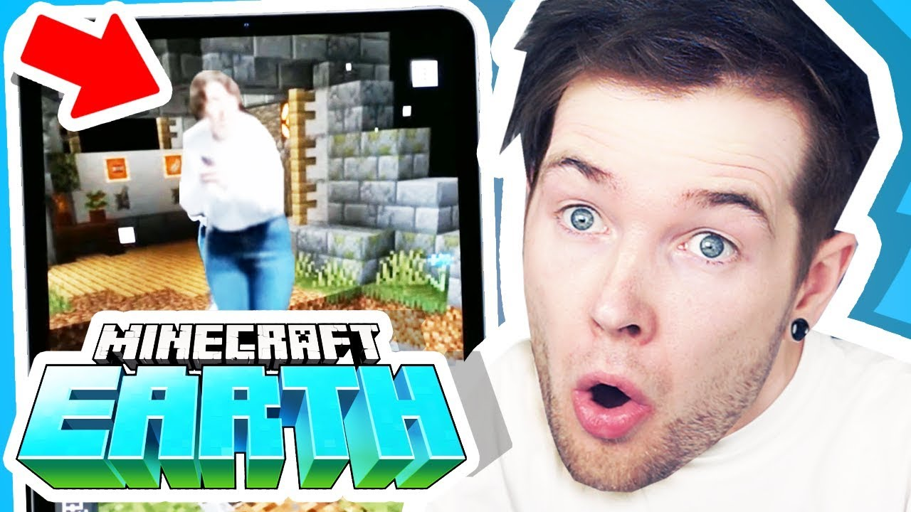 Reacting to NEW Minecraft Earth GAMEPLAY!