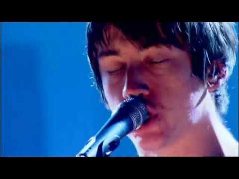 Arctic Monkeys - I Bet You Look Good On The DanceFloor - Live Jools Holland