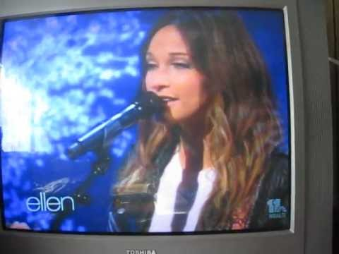 Kacey Musgraves On Ellen: Singing Blowin' Smoke