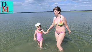 Шацкие озера. Маша купается в озере Свитязь.