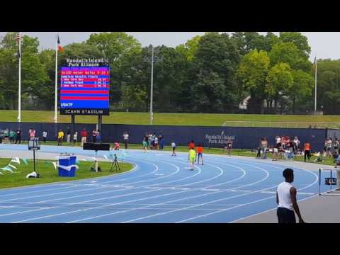 9-10 and 11-12 Novas boys 4×1 relay, Icahn Stadium