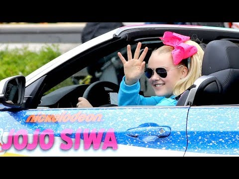 "JoJo Siwa Says Justin Bieber ""Has To"" Perform At Her Birthday Party After He Dissed Her Car! Mp3"
