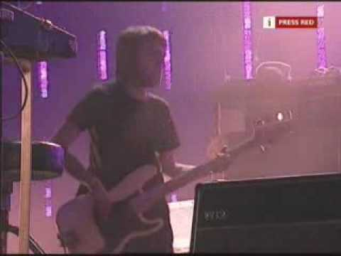 Radiohead - Everything In Its Right Place [Glastonbury 2003]