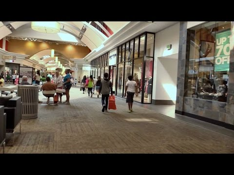 Tennessee | Nashville Area Shopping Mall Day