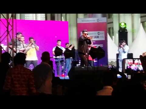 Guru Randhawa || Sonu Ke Titu Ki Sweety || Kaun Nachdi || Live Concert || Friday Jam || DLF Cyberhub