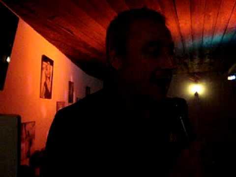 Karaoke andorra en Picines riberaygua Restaurant canta Abundi Monterde Paellero
