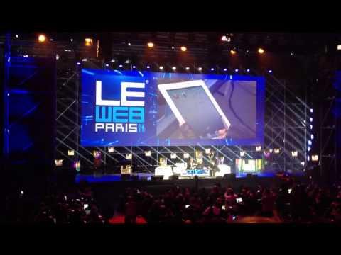 Karl Lagerfeld sketches himself on iPad