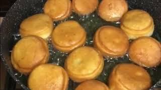 Мягкие и воздушные пончики и хворост на кефире ❤️