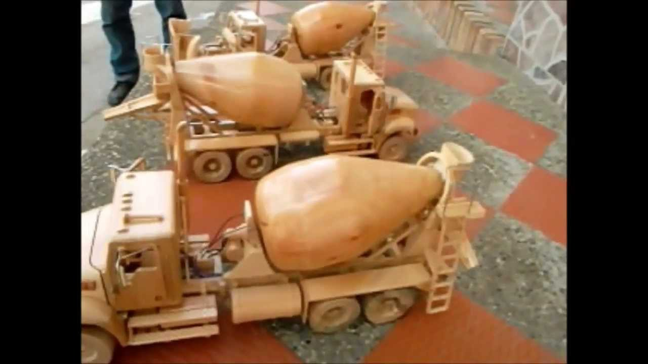 Artesan as en madera tractomulas y camiones mezcladores youtube Artesanias en madera