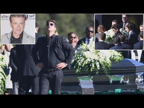 Robin Thicke Breaks Down At Father's Funeral Attended By Dad's Close Friends Mp3