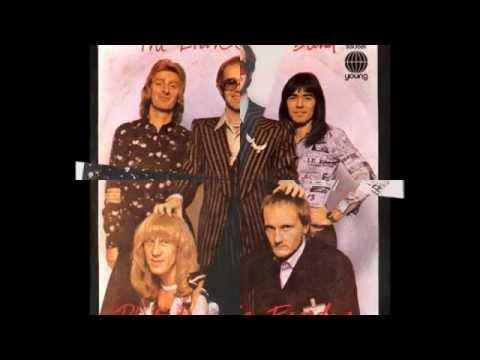 Elton John - Philadelphia Freedom (1974) With Lyrics!