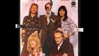 Download Elton John - Philadelphia Freedom (1974) With Lyrics! Mp3 and Videos
