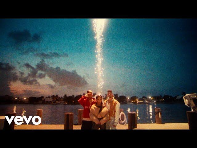 Mau y Ricky, Maria Becerra - Mal Acostumbrao (Official Video) ft. Maria Becerra
