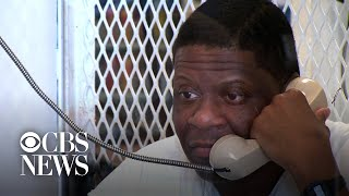 Rodney Reed's mother reacts to her son's stay of execution