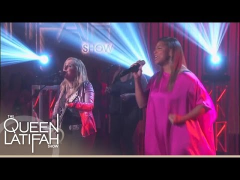 Melissa Etheridge and Queen Latifah Perform