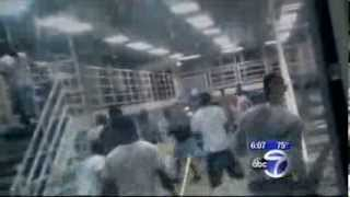 Guards do nothing as inmates fight at Rikers Island Gladiator School  !
