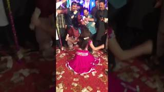 Best Kalabazi at Mujra Party by a Lahori Girl-2018