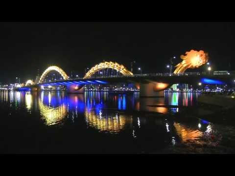 Cầu Rồng phun lửa và phịt nước và đổi mầu 1080p