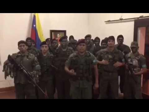 Militares venezolanos se declaran en rebeldía contra Maduro