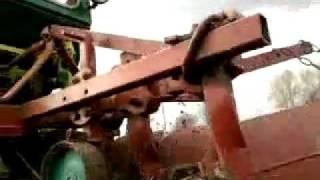 самодельный трактор (3-х корпусной плуг).mp4
