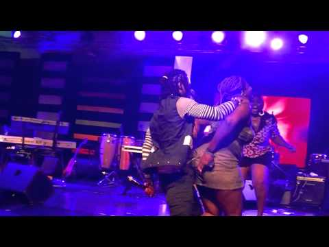 Kiprich on daggering with Ghana lady on stage (Resolution 2012 Concert)