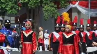 Juara 1 tingkat SMP Drumband SMPN 4 Lamongan - Start Lomba drumband sumpah pemuda cup 2018