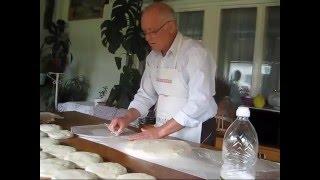 Kako se pravi burek sa sirom(Stanko je objasnio kako se pravi burek sa sirom ili bilo kojim drugim punjenjem. Fotografije i kompletno uputstvo za burek pročitajte na mom blogu Mustra ..., 2012-11-01T13:45:22.000Z)