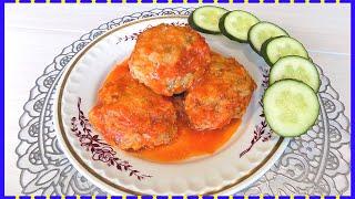 Ежики с рисом и куриным фаршем в томатном соусе в духовке