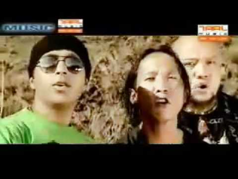 Gorkhali Ko Chhoro by Mantra Band Darjeeling.flv
