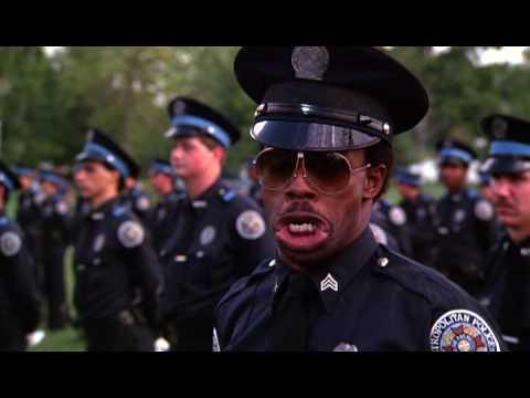 Scuola di polizia 3 gag di mauser youtube for Polizia di permesso di soggiorno