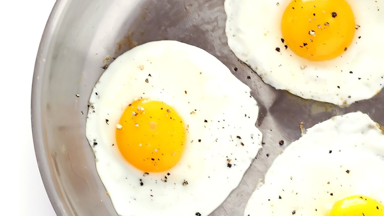 How To Make Fried Eggs  4 Ways!