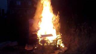 Video Burn like a good bonfire download MP3, 3GP, MP4, WEBM, AVI, FLV Agustus 2017