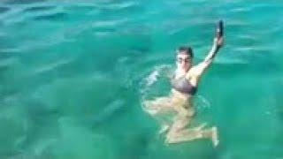 سيرين بطلة مسلسل سامحيني تصطاد السمك بيدها فقط في اعماق البحر لن تصدق ما تراه💙💚Samhini 1190💛💗
