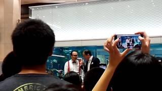 沖縄イオンモール沖縄ライカムにてお笑いステージ トレンディエンジェル.