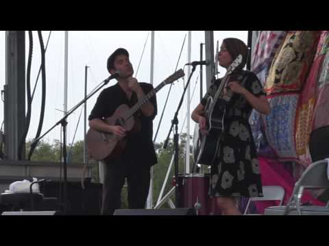 Fuzz & Carrie of Caravan of Thieves at Safety Harbor Song Fest 2017