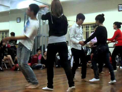 Hanoi College of Art...Thi nhảy 4