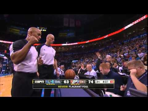 Vince Carter elbows Steven Adams. Gets ejected. Adams: UNFAZED!